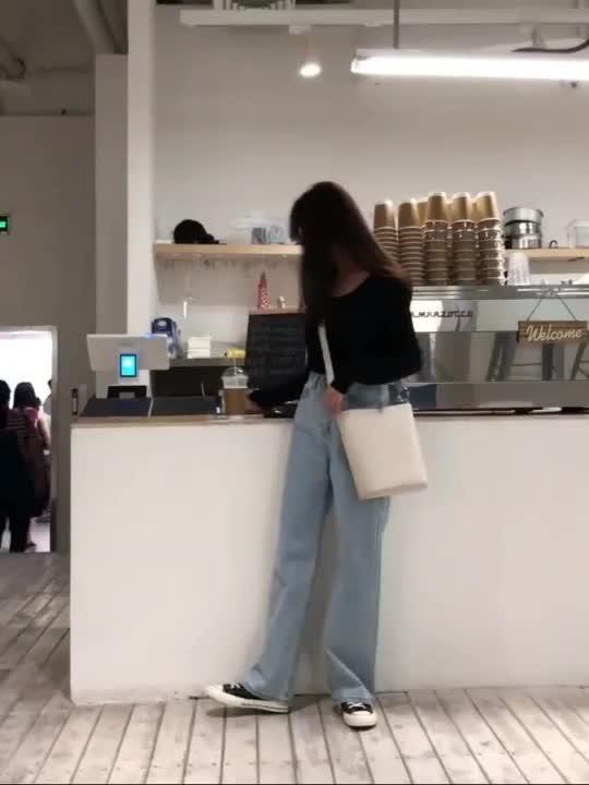 2019复古高腰阔腿牛仔裤女秋季新款休闲宽松chic直筒长裤