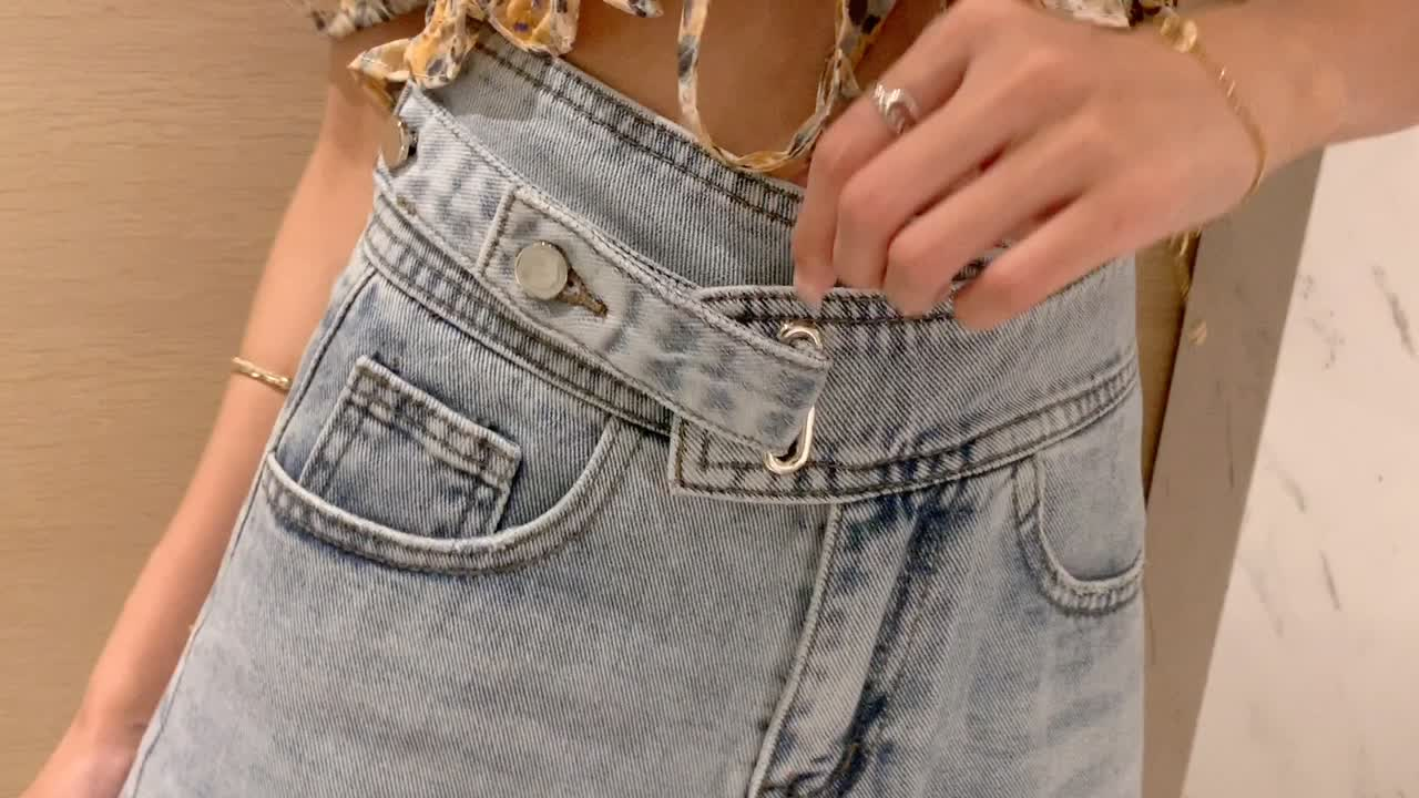 實拍2020夏新款女高腰修身寬松牛仔短褲潮流時尚不規則毛邊熱褲