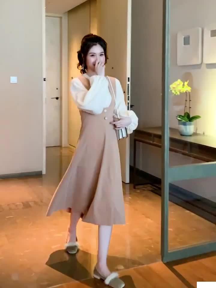 初秋2019新款温柔风淑女高腰仿羊绒背带连衣裙女套头雪纺衫套装裙